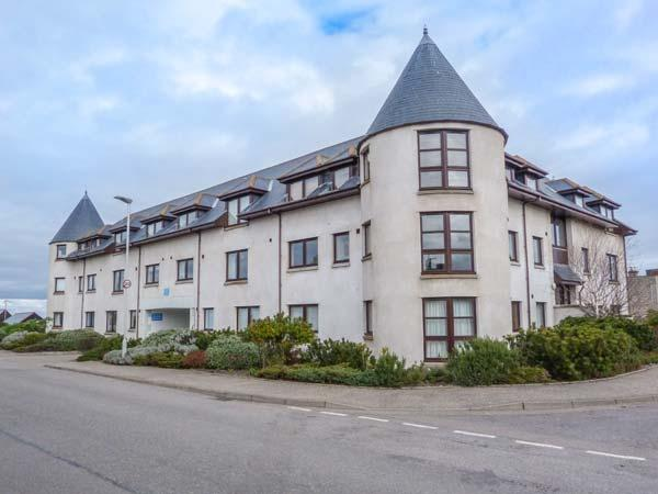 SEASIDE HAVEN, close to beach, sea views, facilities on doorstep, Findhorn, Ref 935016 - Image 1 - Findhorn - rentals
