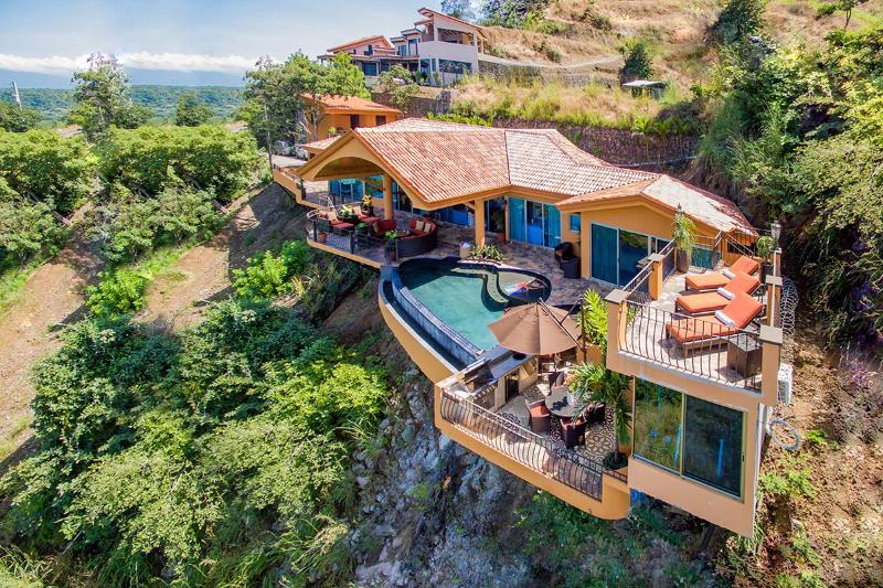 Casa Dare to Dream, Sleeps 8 - Image 1 - Playa Hermosa - rentals