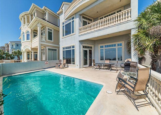 Pool area - Singleton Beach 11, Oceanfront 6 Bedrooms, Private Pool, Elevator, Sleeps 18 - Hilton Head - rentals