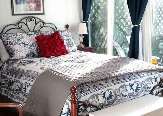 Great studio with plenty of natural light!  - Redwood Roost - Cute Arcata Cottage - Arcata - rentals