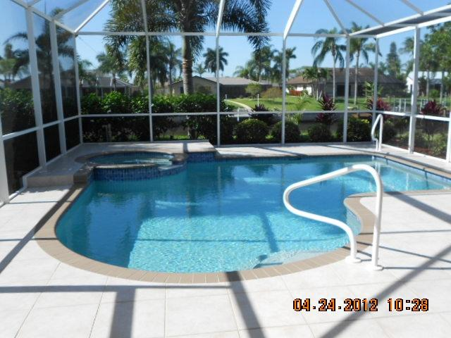 Refreshing pool and spa - SUMMER SPECTACULAR - Cape Coral - rentals