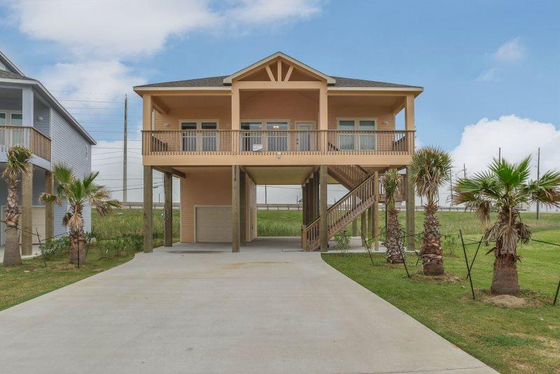 Beachside Cottage - Image 1 - Galveston - rentals