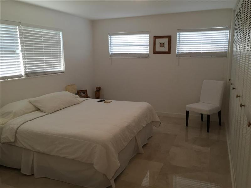 Cozy Private Room in Coral Gables Pent House Condo - Image 1 - Coral Gables - rentals