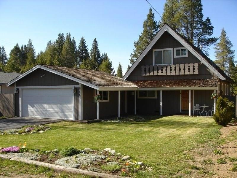 865 Michael Charming Chalet with a Beautiful Yard - Image 1 - South Lake Tahoe - rentals