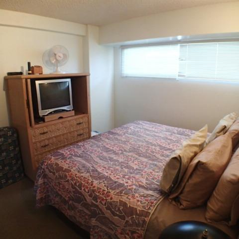 Waikiki Park Heights One Bedroom With Ocean View - Image 1 - Honolulu - rentals