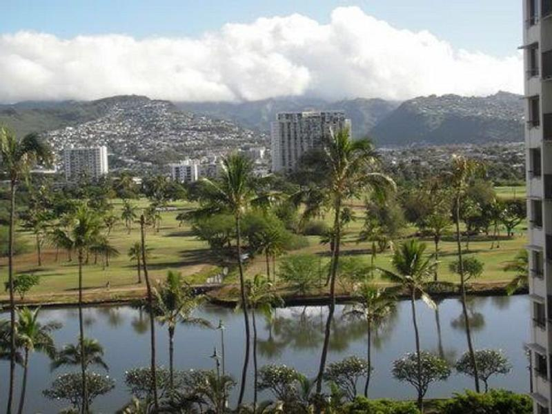 Waikiki Lanais One Bedroom with Parking and Views - Image 1 - Honolulu - rentals