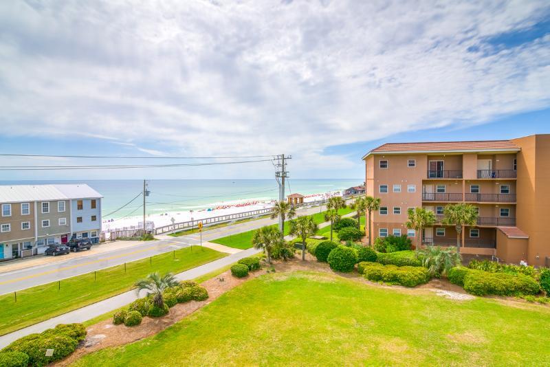Ciboney 4003-AVAIL 8/6-8/13 -RealJOY Fun Pass*FREETripIns4NEWFallBkgs*Gulf Views-GorgeousMiramar-2BR - Image 1 - Miramar Beach - rentals