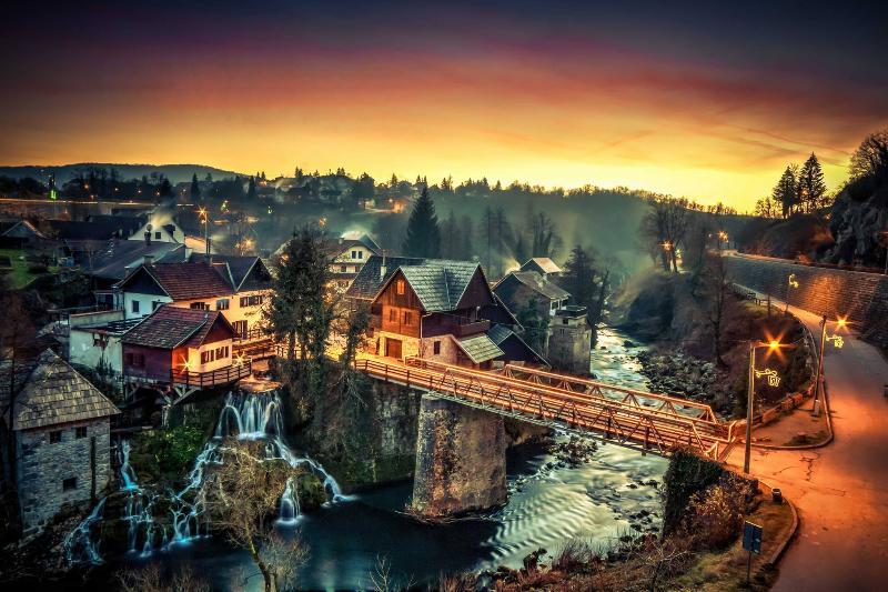 Rastoke Waterfalls, 10 mins walk away - Modern Apt near Plitvice and Rastoke Waterfalls - Plitvice Lakes National Park - rentals