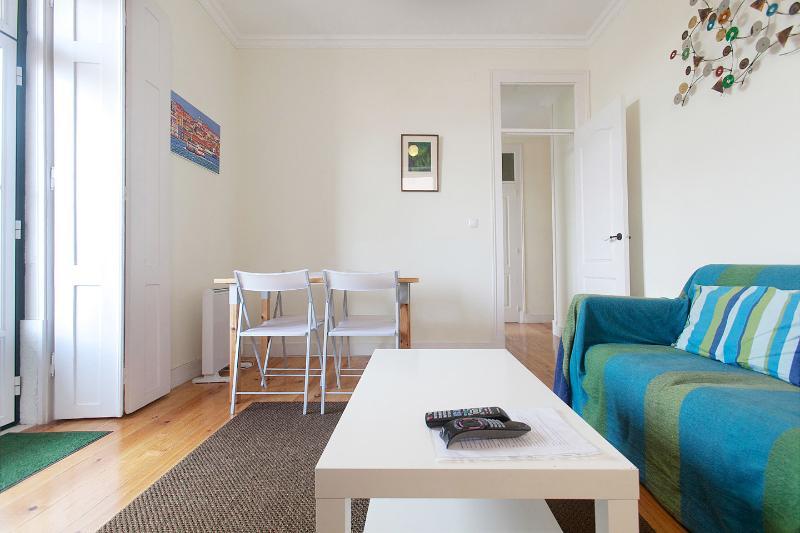 Living Room - Lovely Terrace in the Castle Area - 3 Bedroom Apar - Lisbon - rentals