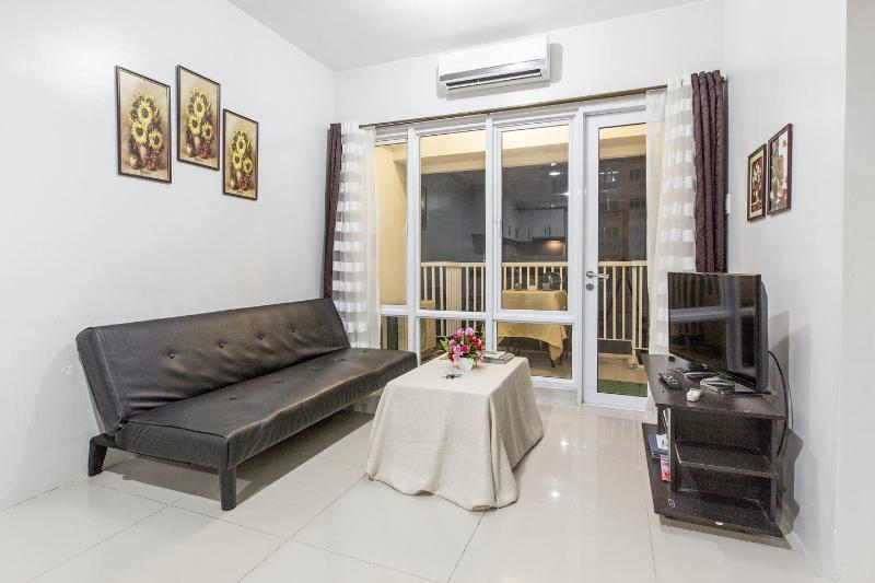 WELCOME HOME - 2 BR Fully-furnished Condo by Mall of Asia - Pasay - rentals