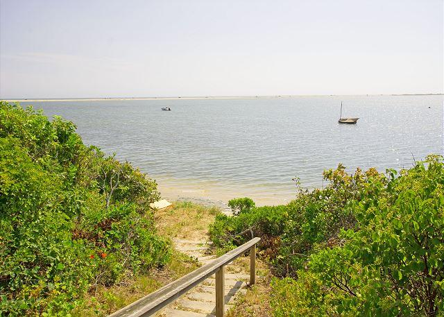 CHAPPAQUIDDICK CONTEMPORARY WITH WATERVIEWS - Image 1 - Chappaquiddick - rentals