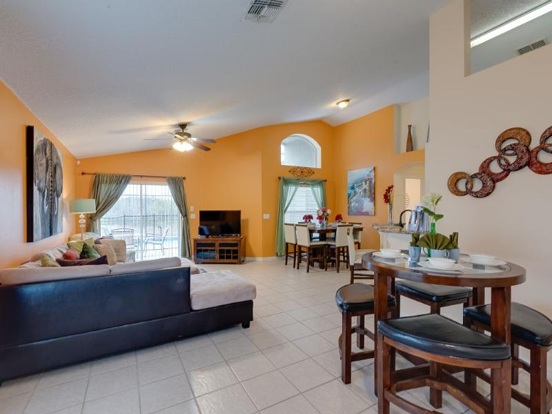 Aviana Resort Stunning Villa Pr Pool, Hot Tub WiFi - Image 1 - Davenport - rentals