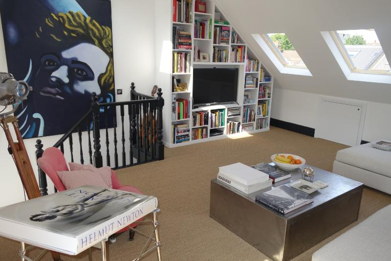 Contemporary 3 Bedroom Apartment Nestled in Notting Hill - Image 1 - London - rentals