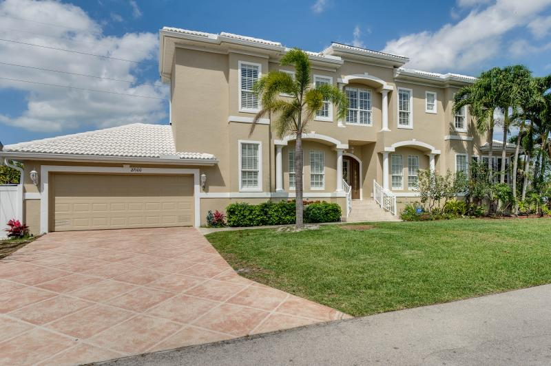 WELCOME HOME TO YOUR PRIVATE OASIS IN SOUTHWEST FLORIDA - LUXURY WATERFRONT HOME - WINTER DATES STILL AVAILABLE * PRIVATE POOL/SPA - Bonita Springs - rentals