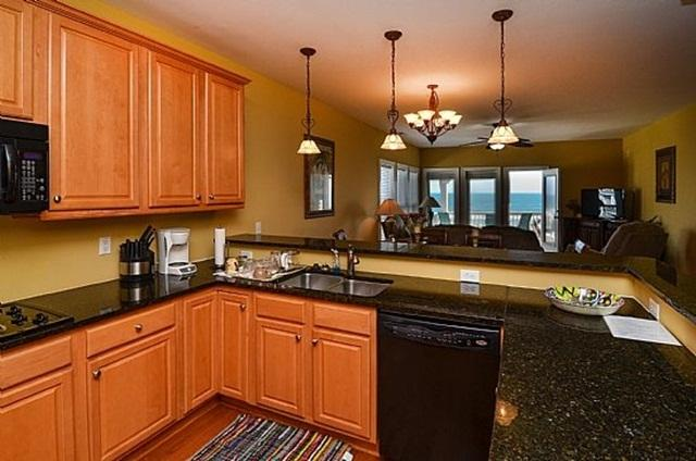 Tranquility Penthouse 6 Bed, Pool - Huge Discounts - Image 1 - Carolina Beach - rentals