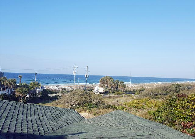 Views of the Gulf of Mexico - Spacious 5 bedroom 3 bathroom Gulf View Property-Steps Away From the Beach - Destin - rentals