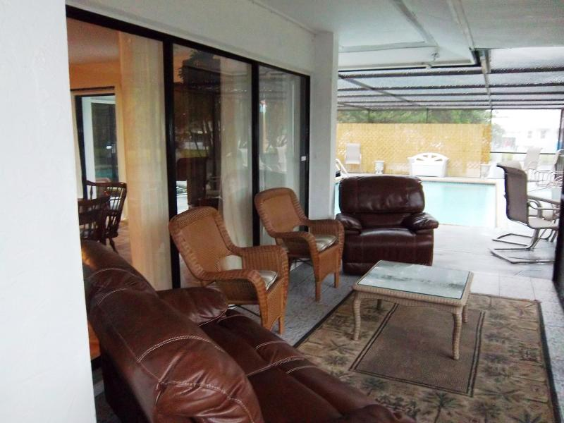 Kick back and enjoy the water or the pool - The Waterview Private Pool, Hot Tub, Games Room - Bradenton - rentals