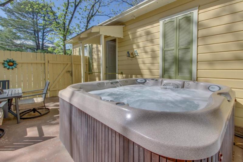 Private patio with hot tub & firepit. Right in downtown with shared pool access! - Image 1 - Fredericksburg - rentals