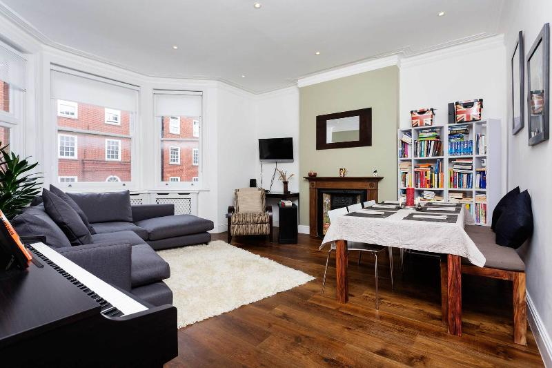 An elegant and bright apartment near Primrose Gardens - Image 1 - London - rentals
