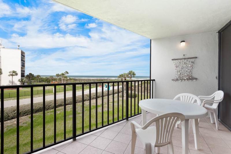 Captains Quarters 216, New HDTV, 2 Elevators, Pool, Grill, WiFi - Image 1 - Saint Augustine - rentals