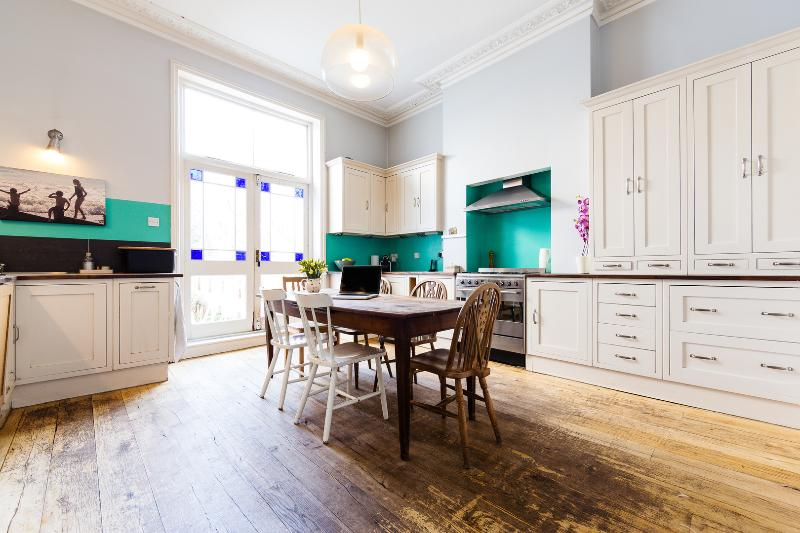A light and airy family home in Stoke Newington - Image 1 - London - rentals