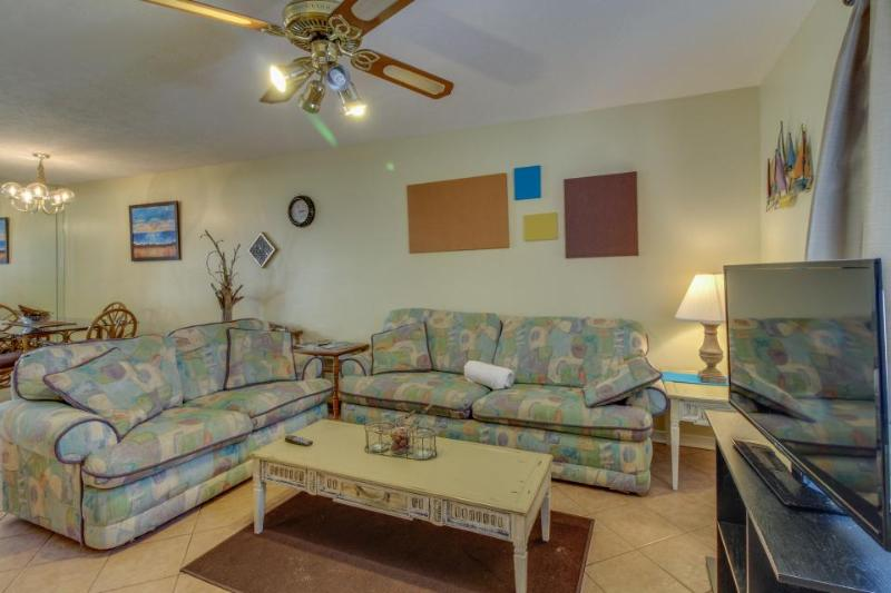 Close to the beach, pools, tennis, & more. Dog-friendly! - Image 1 - Panama City Beach - rentals
