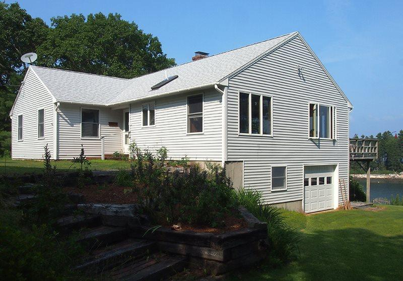 MERWICK COTTAGE | FIVE ISLANDS | GEORGETOWN, MAINE | WATER-FRONT| OCEAN VIEWS & ACCESS | PRIVATE DOCK & FLOAT - Image 1 - Boothbay - rentals