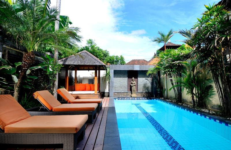 sun, swim and relax - Central Legian Beach, Spacious 4 bed, Villa Mimpi - Legian - rentals
