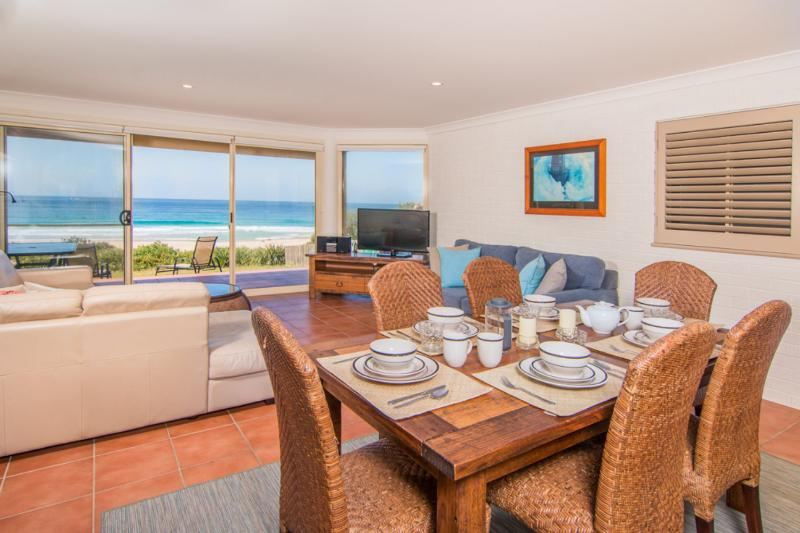 Allure on Blueys - Image 1 - Blueys Beach - rentals