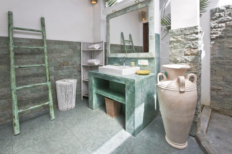 Bathroom Bedroom 1 - The Villa Asri - Seminyak - rentals
