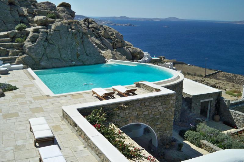 Villa Loxis - Image 1 - Mykonos - rentals