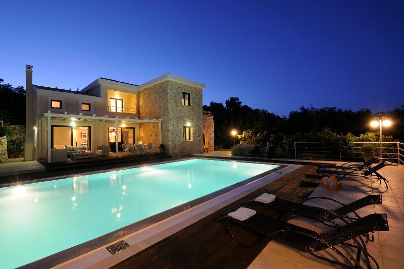 Villa Luxos - Image 1 - Agios Stefanos NE - rentals