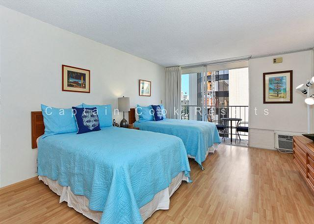 Central Waikiki studio, washlet, AC, FREE parking and WiFi!  Sleeps 3. - Image 1 - Waikiki - rentals