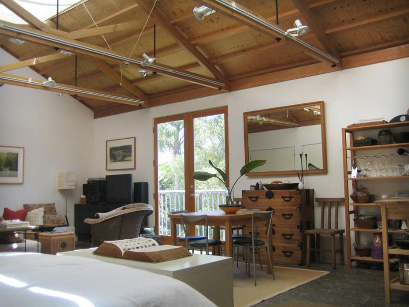 A Large Skylit Converted Art Studio! - Architectural Art Loft Guesthouse, Bike to Beach! - Marina del Rey - rentals