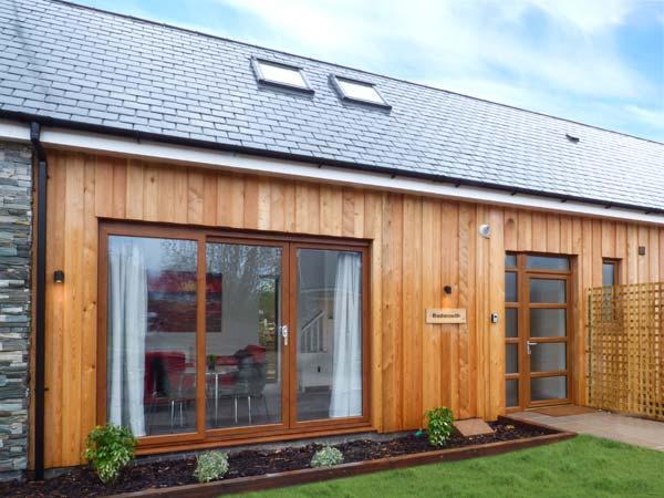 BUDMOUTH, superb, modern cottage, en-suite, Smart TV, in Upwey, Ref 932157 - Image 1 - Upwey - rentals