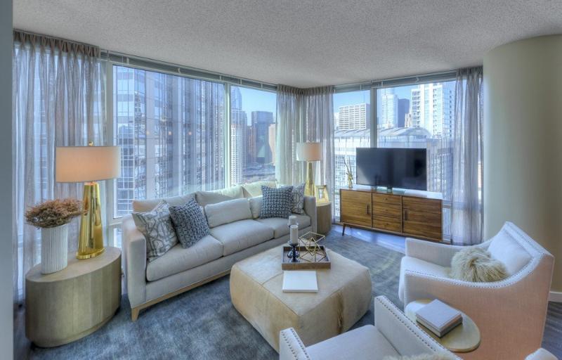 Luxurious 2 Bedroom 2 Bathroom Apartment in Chicago - 24 Hour Door Staff - Image 1 - Chicago - rentals