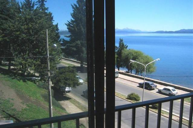 Living room view - DOWN TOWN LAKEFRONT APARTMENT WITH PANORAMIC VIEWS - San Carlos de Bariloche - rentals