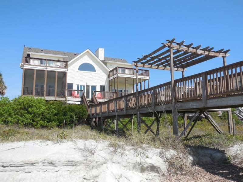 Oceanside Exterior - Locura - Folly Beach, SC - 3 Beds BATHS: 3 Full 1 Half - Folly Beach - rentals