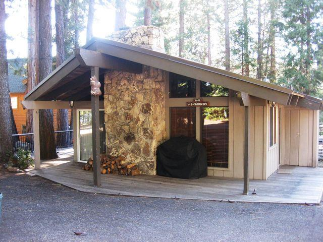 Front of House - Sharrer - Country Club LAKEFRONT Cabin with Dock ONLY, Near Rec Area 1 - Lake Almanor - rentals