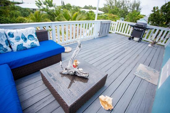 Your own private deck, two blocks from the beach!  - Secluded,safe beach retreat, Spanish Wells Bahamas - Spanish Wells - rentals