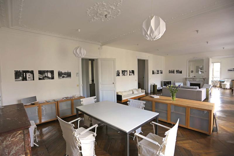 Large and Bright Marais Beauty at Arts et Metiers - Image 1 - Paris - rentals