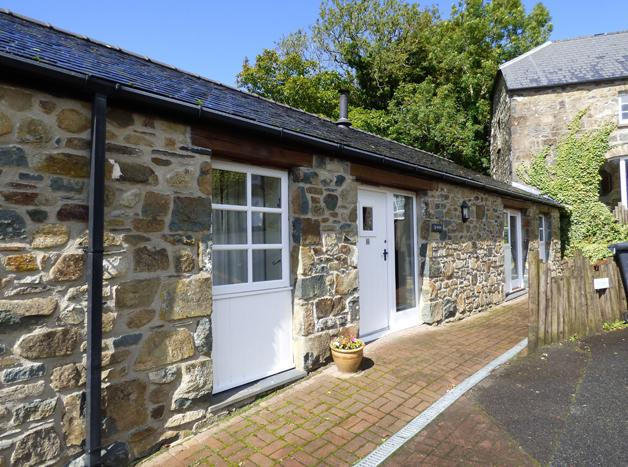 Ty Nant, Gellifawr Cottages - Image 1 - Fishguard - rentals