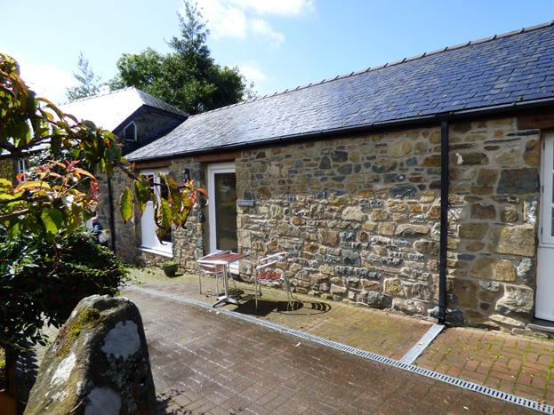 Carreg Las, Gellifawr Cottages - Image 1 - Fishguard - rentals