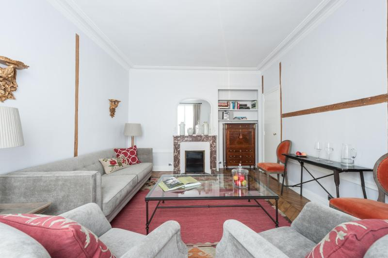 onefinestay - Rue des Beaux-Arts private home - Image 1 - Paris - rentals