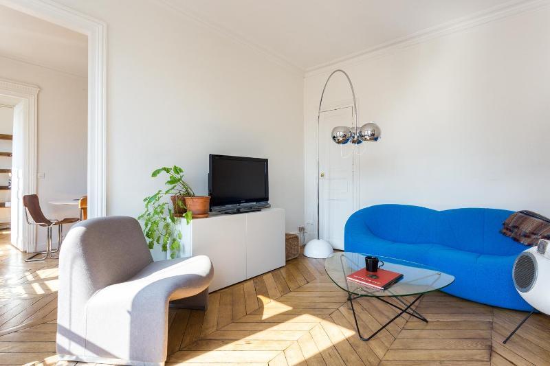 Rue de Rochechouart II - Image 1 - Paris - rentals