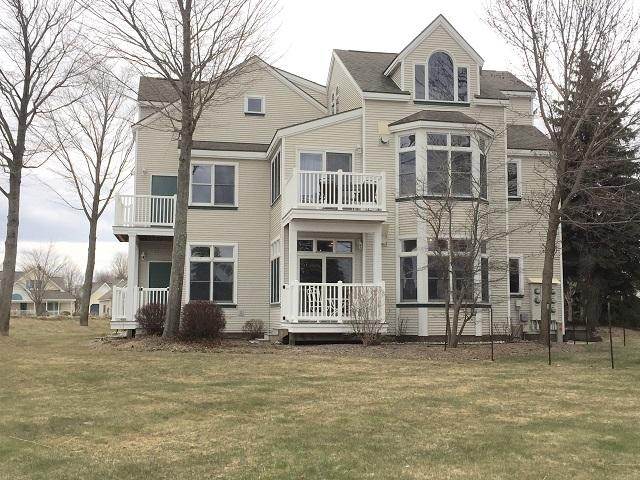 Quaint First Floor Condo With Water Views - Image 1 - Manistee - rentals