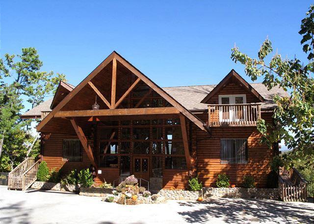 Welcome to Twin Cedar Lodge - Twin Cedar Lodge  Indoor Swim Spa Theater Hot Tub Sauna Mountain Views - Gatlinburg - rentals