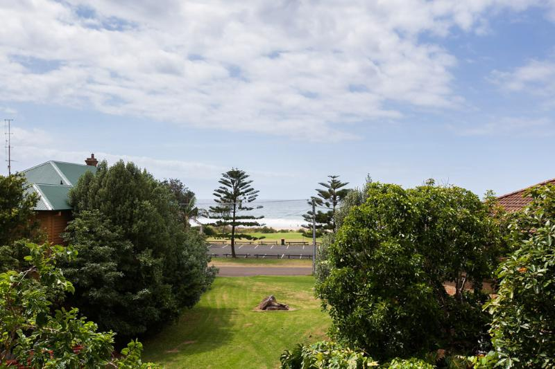 The Beachside Apartment - Image 1 - Thirroul - rentals