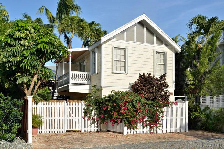 Topsail Cottage Key West ~ Monthly Rental - Image 1 - Key West - rentals