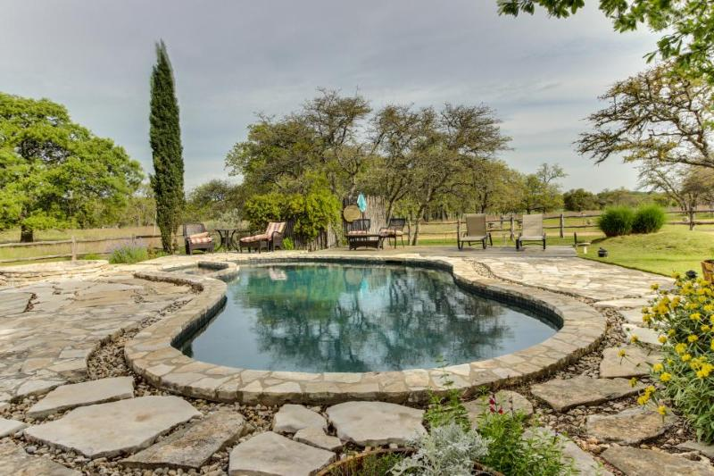 Dog-friendly cottage w/ private pool & outdoor bar! - Image 1 - Fredericksburg - rentals